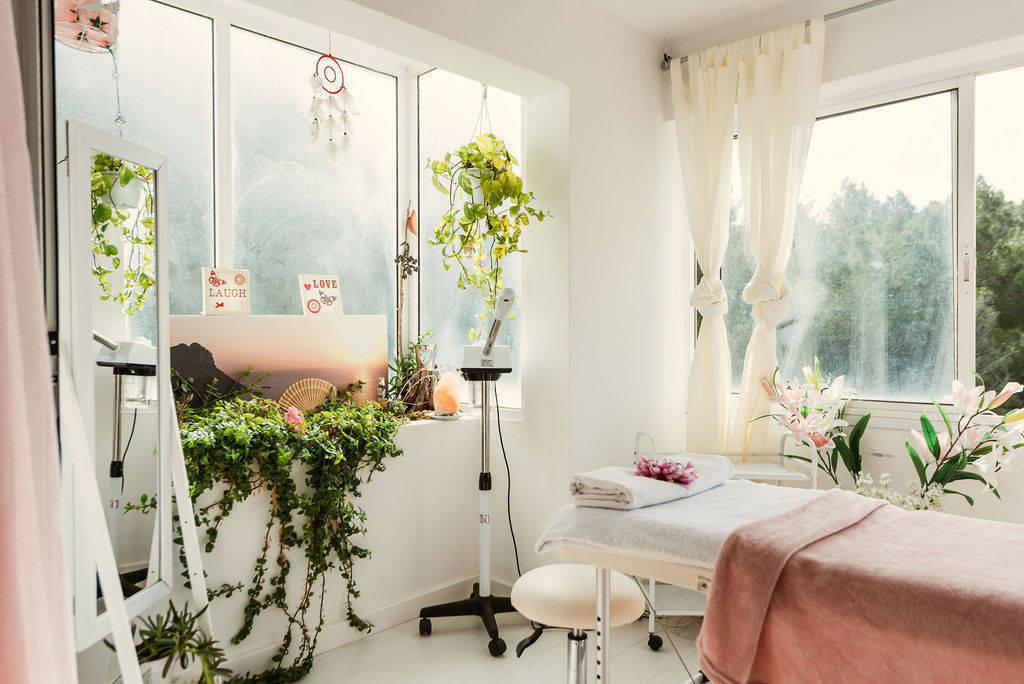 Fully equipped beauty room