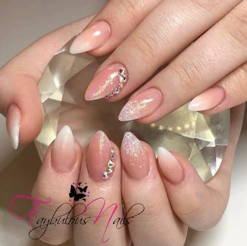 Fresh ❤️ Beautiful boomers with pink mermaid and AB Swarovski ❤️ Simple is soooo beautiful ❤️
