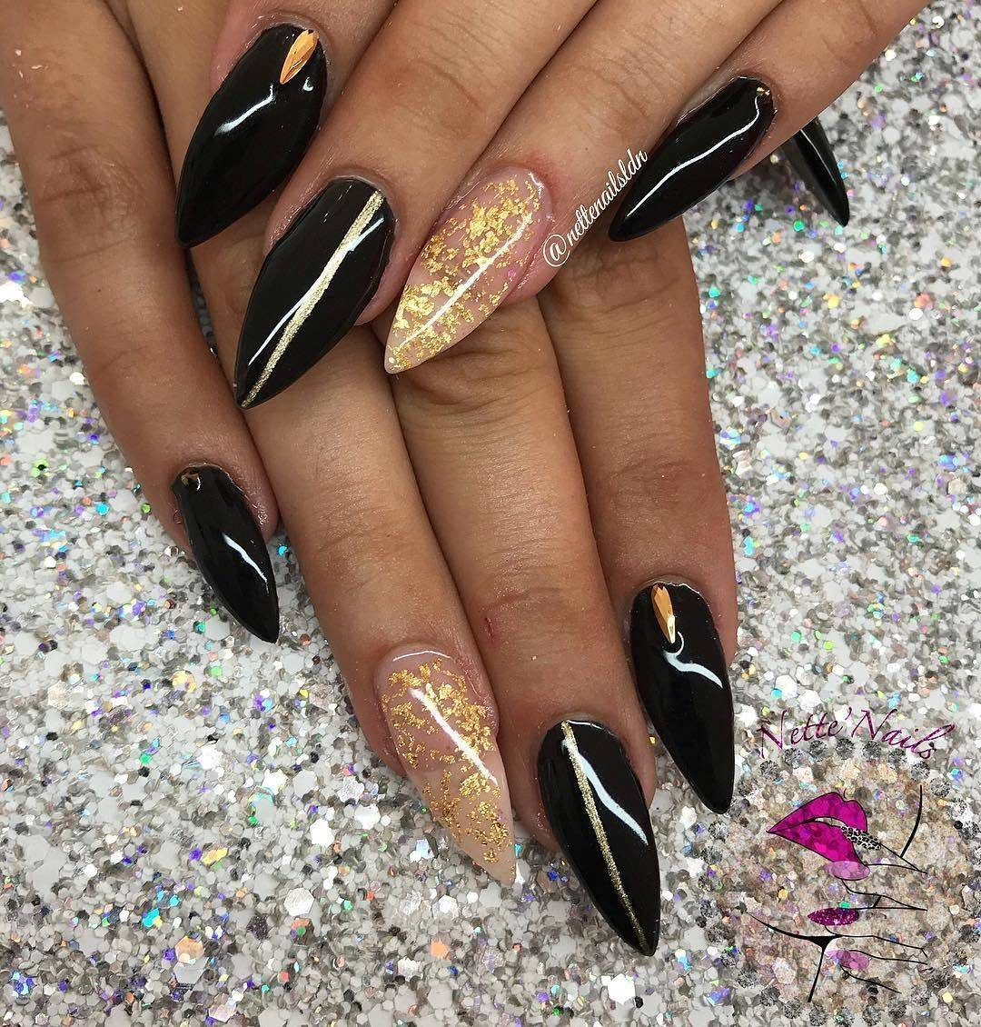 Nette\'Nails - I\'m actually obsessed with this set! Gold leaf and ...