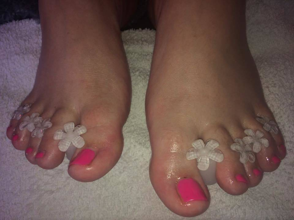 A pretty little pedi!