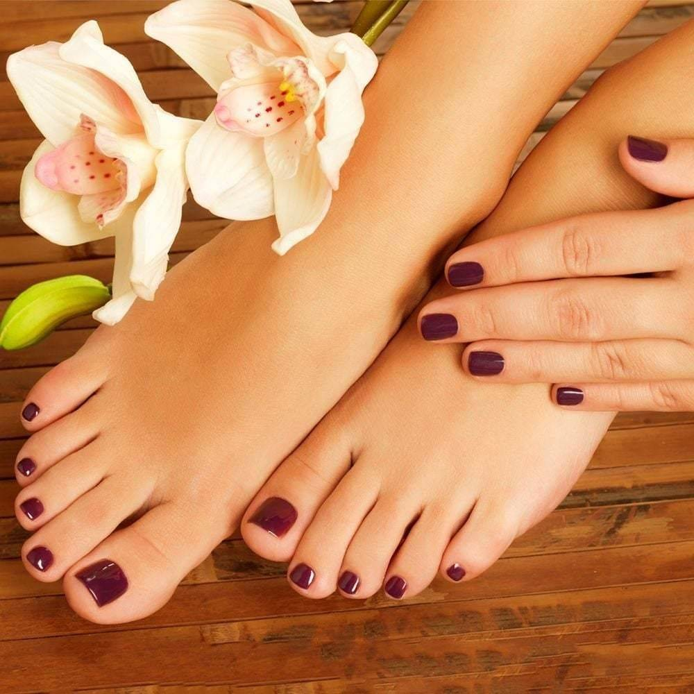 Gel Pedicure With Treatment