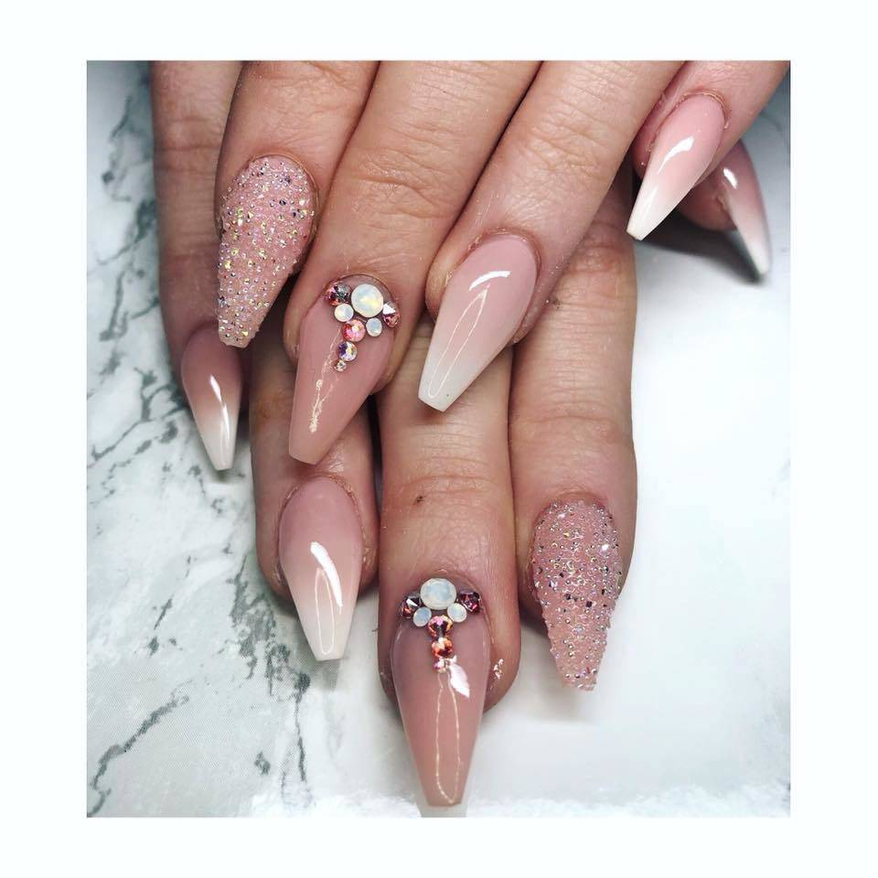 French fade & crystals.. Could you get a better combo🤷 ♀ . Load fcc909b1f4719d7a92a27cb2f9f2767997fa9e00f8c321446a4e5cc78f79cac1
