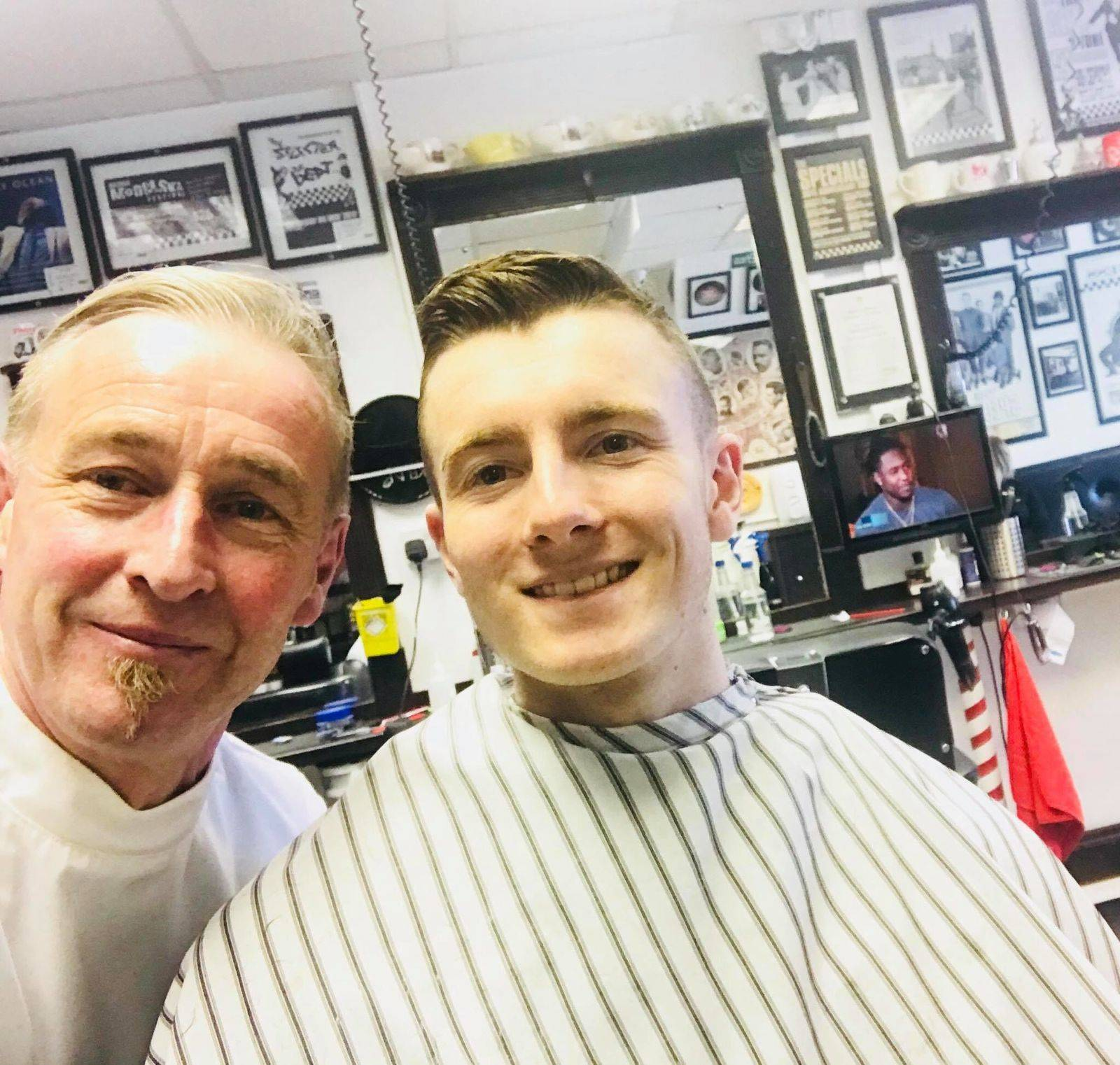 Had the youngest (at 17) to play Ice hockey for the Belfast Giants, Ross Hancock called in today on his travels, a nice lad:) a busy one! 9am-5pm tomorrow with 4 on ✂️