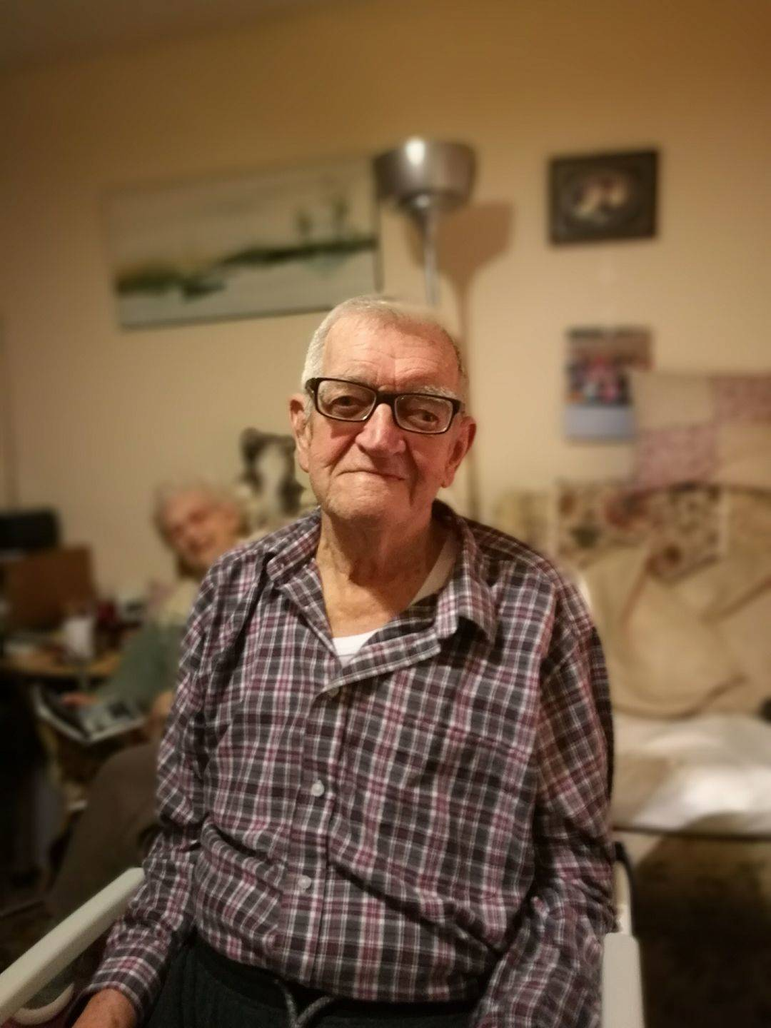 One of my favourite customers. He is 87 and can't get out so I regularly make house visits to keep him looking dappa!