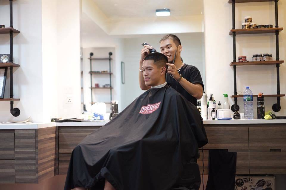 Great haircuts and happy vibes when you book with Wilson! ☺️ _____________________________________________  Bookings only/請提前預約: www.themacaubarbershop.com