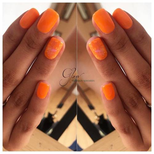 You've got tangerine lines 🧡 new colour from the make a splash collection! #felixstowe #glow #beautysalon #gelish #makeasplash #suffolk