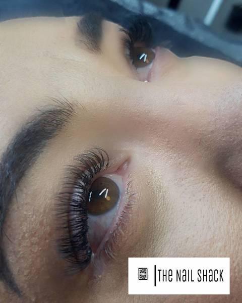 Full set of lashes