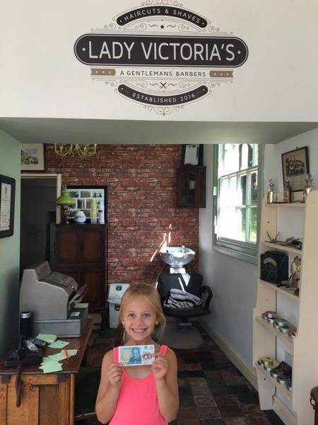 My little helper today with a brand new £5 note  for her help! #busyday #hair #barber #barberlife #muk