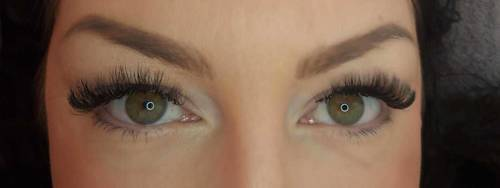 Love a set of volume lashes