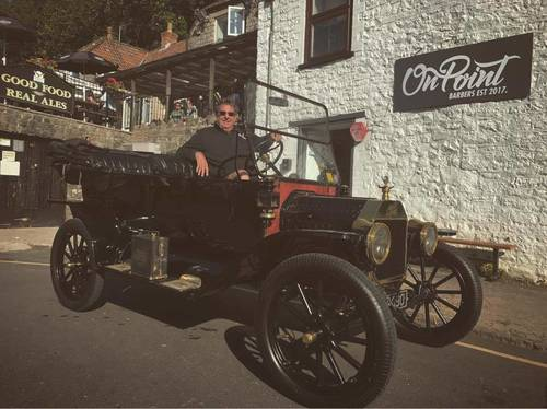 A 1904 Model T4, the first mass production car sitting beautiful outside our shop! 🤤  We love stuff like this coming to our shop so keep them coming   Alex & Percy cutting until 6 ✂️