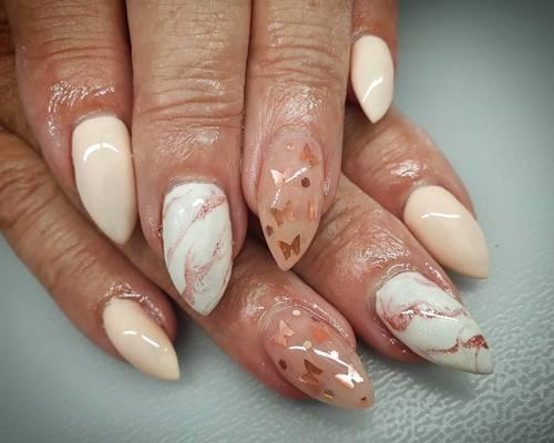 Autumnal butterflies!!🧡🦋 #nailsalon #nailsoftheday #nails #nailstagram #nailsincornwall #cornwall #porthtowanbeach