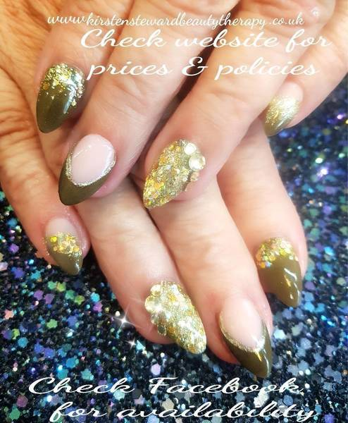 Jackie Newark's rebalanced acrylic overlays in 'CJP Olive Tree' with encapsulated glitter and of course Topaz Swarovski for extra pizzazz!