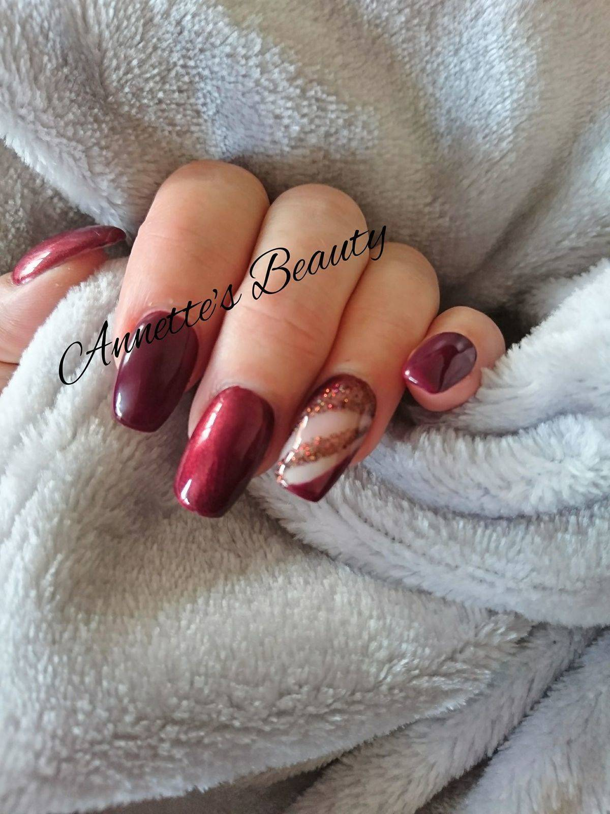 Do you get nail extensions but struggle getting to a salon? Annette's Beauty can provide acrylic extensions in the comfort of your own home