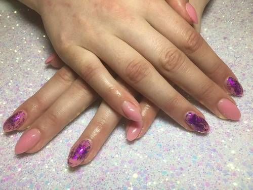 Pretty sculpting gel with some purple foil accents for this lovely lady!